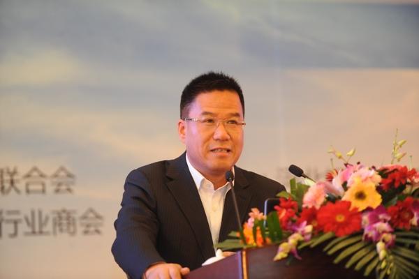 11月15-16日,由中国物流与采购联合会支持,北京市金属材料行业商会和兰格钢铁网共同主办,河北钢铁集团、首钢集团、五矿发展股份有限公司和清华大学钢铁同学会联合主办的第九届环渤海钢铁市场论坛暨兰格钢铁网2013年年会在北京九华山庄国际会展中心隆重召开。来自全国多个行业的领导、专家、学者以及全国各大钢厂领导、各地钢贸商等社会各界人士共2000余人参加了会议。新华社、中央电视台、经济日报、中国产经新闻、中国证券报、第一财经日报、经济观察报、新华网、人民网等数十家媒体.