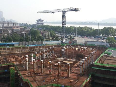 17] 乌鲁木齐重点建设项目开工率达66%[06.
